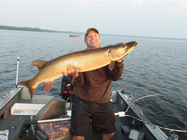 John T. really nice 47.25 inch Musky on a Big Mama